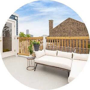 Fiberglass roof deck with pilot house and railing by bellweather design build in philadelphia